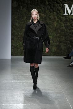 Soo Joo for  Max Mara Pre-Fall 2015 http://www.style.com/slideshows/fashion-shows/pre-fall-2015/max-mara/collection/19