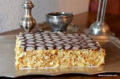 cel mai bun tort napoleon reteta Napoleon, Cheesecakes, Bakery, Food And Drink, Pudding, Sweets, Cooking, Recipes, Romania
