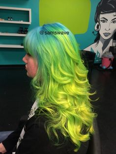 samswave: really happy with the outcome of my northern lights inspired ombre.