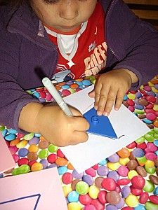 Plateau des formes a dessins - Le blog de assmat.coco.62.over-blog.com