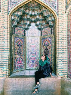 Few countries in the world evoke more prejudice and mistrust than Iran. But, its exceptional artistic heritage and the incredibly hospitable and friendly people make visiting the land of Ancient Persia a fascinating experience. Discover now why you should visit Iran, one of the most misunderstood yet interesting countries in the Middle East.