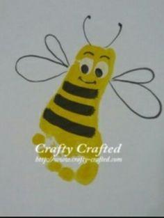{Craft} Kids handprint painting - My most creative diy and craft list Daycare Crafts, Baby Crafts, Crafts To Do, Preschool Crafts, Crafts For Kids, Arts And Crafts, Fall Toddler Crafts, Baby Handprint Crafts, Kids Diy