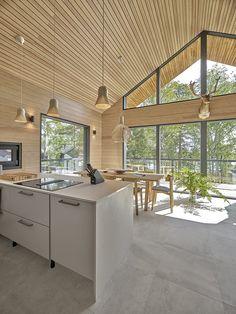 Ihastu luonnon inspiroimiin Honka Frame -taloihin kuvagalleriassa - Honka Modern Cabin Interior, Modern Lake House, Modern House Design, Interior Design Kitchen, Minimalist House Design, Home Room Design, Dream Home Design, Cabin Design, Küchen Design