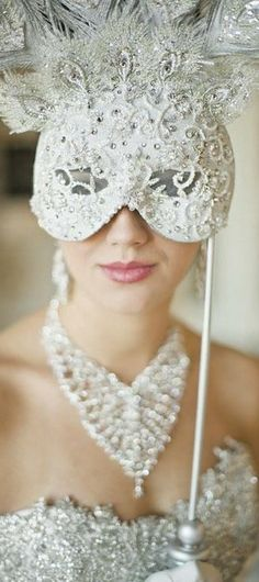 image of Venetian Wedding Bridal Mask ♥ Unique Wedding Accesorizes Masquerade Wedding, Masquerade Ball, Masquerade Theme, Masquerade Costumes, White Masquerade Mask, Venetian Wedding, Costume Venitien, Bridal Mask, Venetian Masks