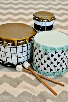Diy drum from oatmeal container or popcorn tin