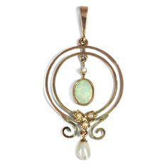 Entdecken Sie dieses Objekt und hunderte weitere antike Juwelen bei Hofer Antikschmuck, Ihrem Onlineshop für Schmuck aller Epochen. Wir versenden weltweit versandkostenfrei!