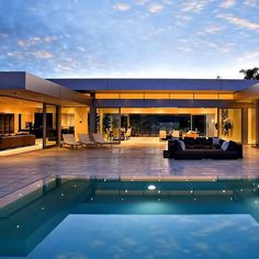 Modern House Design : Carla Ridge Residence by McClean Design Beautiful Architecture, Architecture Design, Beverly Hills Houses, Casas Containers, Luxury Homes Dream Houses, Modern Mansion, Expensive Houses, Dream House Exterior, Modern House Design
