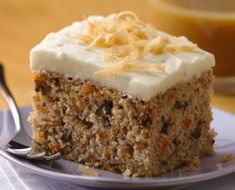 Easy Gluten-Free Carrot Cake Turn Betty Crocker Gluten Free yellow cake mix into a delicious homemade carrot cake. Gluten Free Yellow Cake Mix, Gluten Free Carrot Cake, Gluten Free Sweets, Gluten Free Cakes, Gluten Free Cooking, Gluten Free Recipes, Gf Recipes, Carrot Cakes, Healthy Recipes