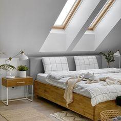 Bestseller Berke - łóżko Slimwood z modyfikowanym wezgłowiem, dopasowanym do ściany na poddaszu :) Dream Home Design, Modern House Design, My Room, Master Bedroom, New Homes, Room Decor, Interior Design, House Styles, Furniture
