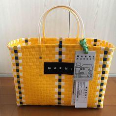 メルカリ商品: 新品 タグ付き‼️MARNI カフェ ピクニック カゴバッグ イエロー #メルカリ Purse Wallet, Clutch Bag, Japan Crafts, Art Bag, Craft Bags, Weaving Art, Plastic Canvas Patterns, Basket Weaving, Pattern Design