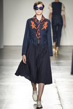 See the complete Karen Walker Spring 2016 Ready-to-Wear collection.