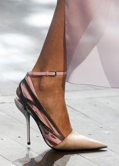 edc817f0 Zapato Dior Zapatos Dior, Zapatillas De Tacón, Tacos Zapatos, Zapatos De  Moda,
