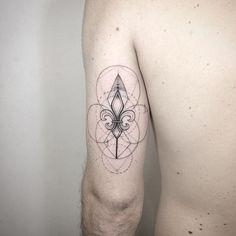 tatuajes con simbolos lis