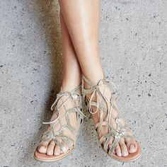 Our Gentle Souls gladiator sandals have patented comfort technology that will make walking everywhere even more pleasant this summer. #kcstyle #sandals #shoesoftheday