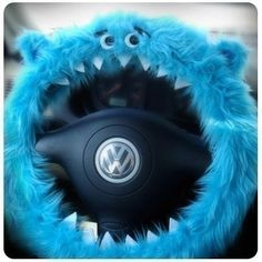 omg. I want this so bad.... a furry, cookie monster, type, dealio, thingy... so cute!
