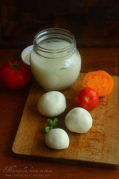 mozzarella de casa 2 Mozzarella, Romanian Food, My Recipes, Glass Of Milk, Panna Cotta, Ricotta, Cheese, Homemade, Cooking