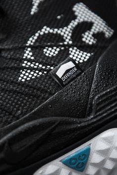 Details we like / Tecwear / Functional textiles / Pattern / Black / beforemeafteryou: Nike ACG LunarTerra Arktos ... -/ at Techwearist