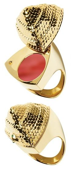 Gorgeous snake ring... with lipstick hidden inside!