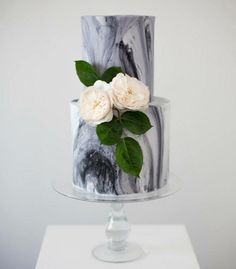 Brides: 6 Marble Wedding Cakes to Swoon Over