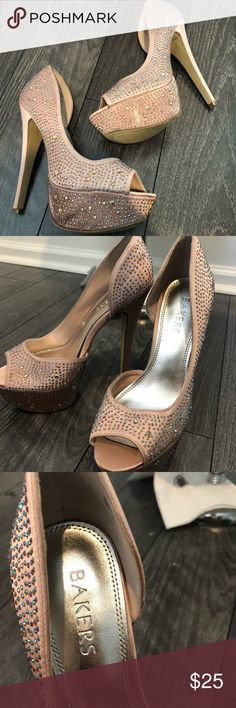6abc772ead0140 BAKERS PALACE STUDDED PINK HEELS SIZE 7M Gently used Bakers Shoes Heels  Pink Palace