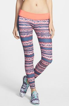 Nike 'Brush Stripe' Performance Leggings