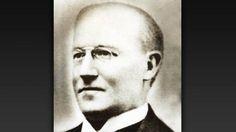 Walter Wild (1899-1901) Walter Wild tiene el honor de haber sido el primer presidente del FC Barcelona Wild fue uno de los doce asistentes a la reunión fundacional del club, celebrada en el gimnasio Solé el 29 de noviembre de 1899. Este suizo de clase social acomodada era el  más viejo de los socios fundadores y sus compañeros le designaron presidente unánimemente. Wild fue un hombre polifacético que  participó también en una decena de partidos, entre ellos el primero de la historia del…