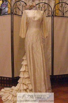 #vestido de #novia #flamenco con mangas y en color blanco roto. #Fuengirola