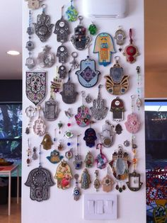Hamsa wall - The Hamsa Hand is an ancient Middle Eastern amulet symbolizing the Hand of God. In all faiths it is a protective sign. It brings it's owner happiness, luck, health, and good fortune. Spiritual Images, Hand Of Fatima, Hamsa Hand, Judaism, Sacred Heart, Illuminated Manuscript, Evil Eye, Color Inspiration, Moroccan