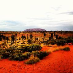 Wish I was back here - Uluru, Australia's red centre Red Centre, Wildlife, Country Roads, Australia, Adventure, Mountains, Travel, Viajes, Destinations