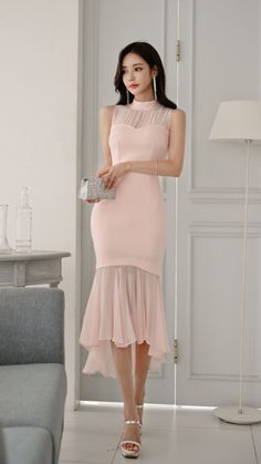 Sound One Ju Source by clothes fashion simple Stylish Dresses, Simple Dresses, Pretty Dresses, Stylish Outfits, Beautiful Dresses, Short Dresses, Fashion Dresses, Sexy Dresses, Ulzzang Fashion