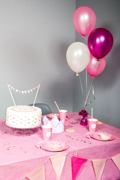 Guirlande de fanions, Ballons,... tout pour une fête de princesse
