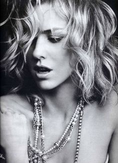 Naomi Watts by Peter Lindbergh http://VIPsAccess.com/luxury-hotels-new-york.html  ilikethehair