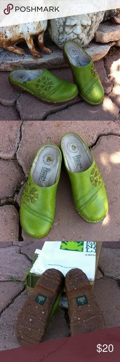 """El Naturalista """"Iggdrasil"""" Green leather clogs Cool pair of Apple green El Naturalista clogs! Size 36 (I'm a size 7 and they fit me just fine). el naturalista Shoes Mules & Clogs"""