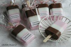 Tarun Taikakakut: Jäätelösaippuat Candle Jars, Candles, Soap, Homemade, Knitting, Fun Ideas, Craft Ideas, Gifts, Zodiac
