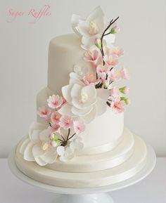 Cake Decorating With Fondant Flowers Cherry Blossoms 17 Ideas Elegant Wedding Cakes, Beautiful Wedding Cakes, Gorgeous Cakes, Wedding Cake Designs, Amazing Cakes, Wedding Decor, Fondant Cupcakes, Fondant Wedding Cakes, Cupcake Cakes