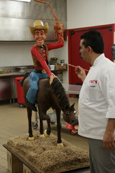 Cowboy on horse cake made by The Cake Boss Cake Boss Buddy, Cake Boss Tlc, Buddy Valastro, Bolos Cake Boss, Carlos Bakery, Cowboy Cakes, Horse Cake, Cake Shapes, Crazy Cakes