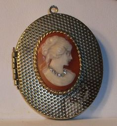 Vintage Habille Lady Cameo Locket