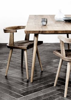 Inspirasi ruangan bernuansa vintage dengan berbagai furniture kayu