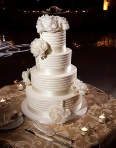 Ons And Stripes For A Fashionable Wedding Cake Sweet Food Chicago
