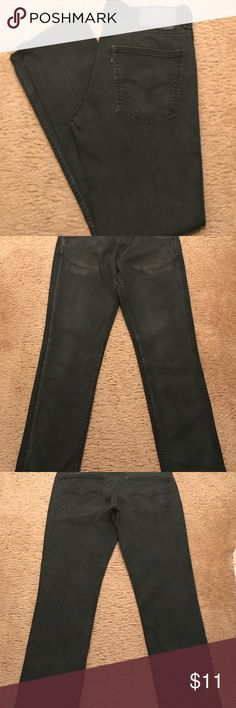 MENS LEVIS JEANS LIKE NEW MENS LEVIS BLACK SIZE 32/34 BUNDLE AND SAVE Levis Jeans Relaxed
