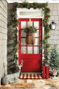 hauseingang zu weihnachten reichlich dekorieren