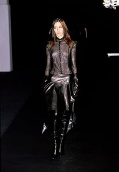 Olivier Theyskens Spring 1999 Ready-to-Wear Fashion Show - Inge Geurts