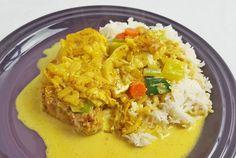Koteletter i fad med karry og bananer - EnHimmelsk Mundfuld Food N, Food And Drink, Curry, Danish Food, Recipes From Heaven, Pesto, Macaroni And Cheese, Pork, Bruges