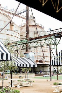 24 Other places to shop in Waco. Texas when you visit Magnolia Market and The Silos. Waco is filled with beautiful antique, thrift and home decor stores. Spring inspiration from Magnolia Market. Magnolia Market Waco, Magnolia Farms, Magnolia Homes, Magnolia Fixer Upper, Magnolia Joanna Gaines, Vacation Trips, Dream Vacations, Chip And Jo