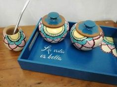 Pin by Zulma Graciela on cajas pintadas Painted Wooden Boxes, Painted Clay Pots, Wood Box Design, Wood Crafts, Diy And Crafts, Flower Pot Design, House Plants Decor, Country Paintings, Ceramic Painting