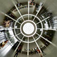 #pinakothek #pinakothekdermoderne #pinakotheken #münchen #munich #museum #empfang #kuppel #kunst #art #architektur #ausstellung #museumsviertel #sunday #kultur #culture #sightseeing #tinyplanet #littleplanet #lifeis360 #360photo #360photography #panorama #360gradmünchen #dreihundertsechzig