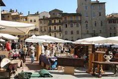 The most important antique fair in Italy is in Arezzo need to be visited every first week end of the month . La piu famosa fiera Antiquaria in Italia è ad Arezzo ogni primo week end del mese ... merita veramente una visita