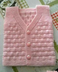 Free Knitting Pattern Baby Cardigan with Cables Knit Vest Pattern, Sweater Knitting Patterns, Knitting Designs, Knit Patterns, Winter Going Out Outfits, Winter Wedding Outfits, Winter Outfits Women, Outfit Winter, Summer Outfit