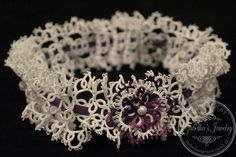 Hand tatted bridal garter by IzabelkasJewelry on Etsy