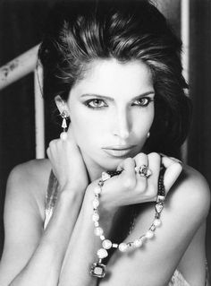 Stephanie Seymour by Vanessa von Zitzewitz for Cartier Stephanie Seymour, Cartier, Elite Model, 90s Models, Fashion Models, Original Supermodels, Real Model, Portraits, Black And White Design